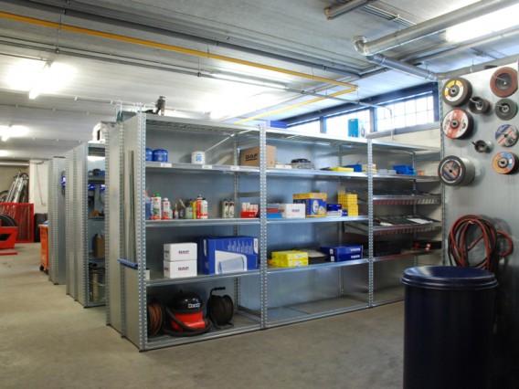 A30 truckservice trailerservice onderdelen magazijn