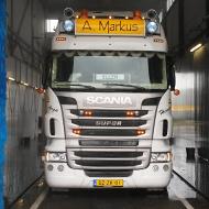 Vrachtwagen van Markus Transport in de wasstraat van A30 Trucks