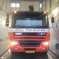 Vrachtwagen van Tijo Reuvers in de wasstraat van A30 Trucks