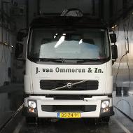 Vrachtwagen van Van Ommeren in de wasstraat van A30 Trucks